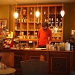 ドイツ美女がカフェで歌い出す!歌にアートにおしゃれなハイデルベルクのカフェとは?