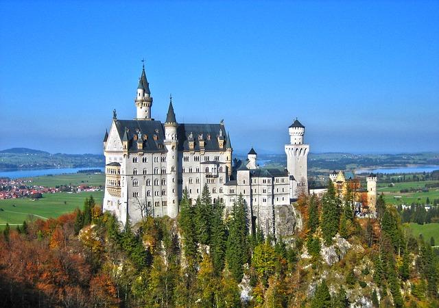 neuschwanstein castle 783674 640 絶景だらけ!ドイツ・ロマンティック街道で絶対に行きたい7スポット!