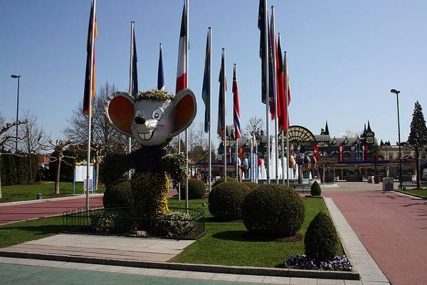 3478597014 860db7697e z ドイツおすすめ観光地ベスト30!世界1番人気はネズミの国!